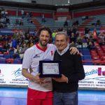 Siena, inaugurata la targa per celebrare la prima partita di basket in Italia